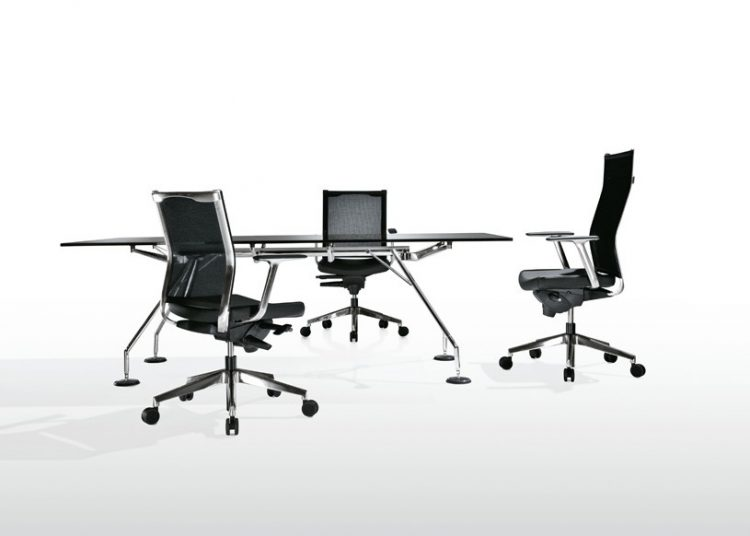 Kastel Sedie Ufficio : Kosmo mesh u kastel sedute per ufficio comunitá e casa